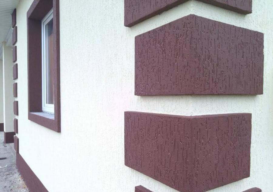 короед на фасаде здания