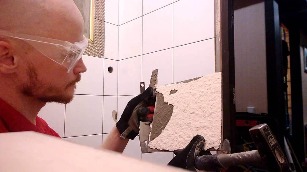 гипсовая штукатурка в ванной отвалилась