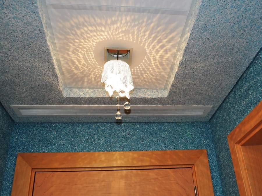 мозаичная штукатурка на потолке