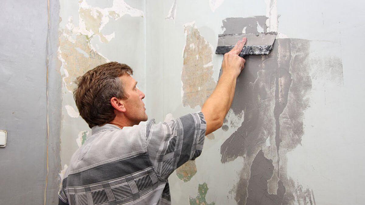 подготовка и очистка стены перед штукатуркой