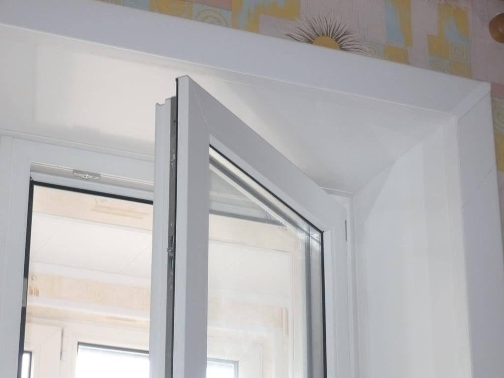 окно с откосом